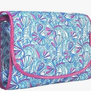 Lilly Pulitzer Hanging Cosmetic Bag My Fans